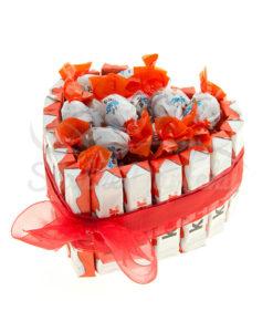 Kinder srdiečko malá sladká torta